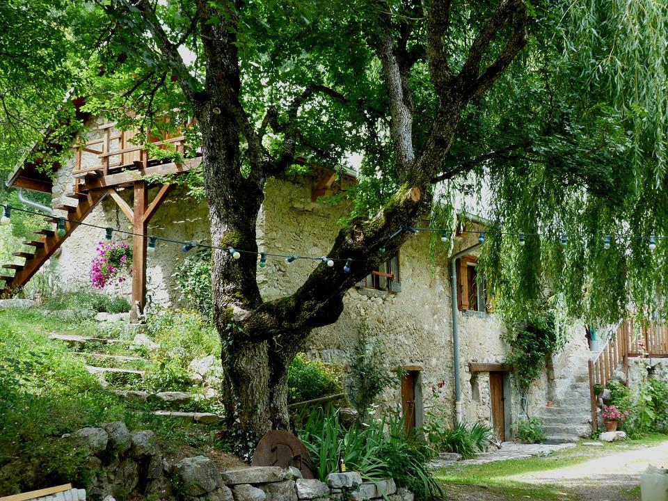 Airbnb and co : sont-ils vraiment des acteurs au service d'un tourisme durable ?